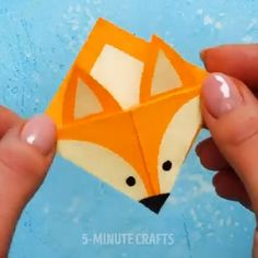 paper christmas flowers paper scraps crafts paper craft kids paper craft kids Geschenkideen/DIY's Diy Crafts Hacks, Diy Crafts For Gifts, Diy Arts And Crafts, Crafts To Do, Diy Craft Projects, Paper Crafts Origami, Paper Crafts For Kids, Diy Paper, Diy For Kids