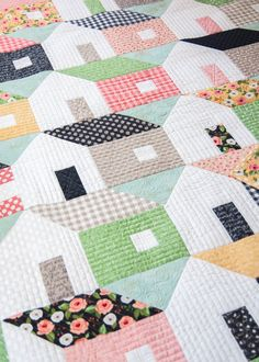 Do you nest your seams assemble your quilt top with more accuracy 158 home again pdf pattern patchwork quilt patternsscrappy fandeluxe Gallery