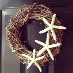 DIY grapevine starfish wreath.