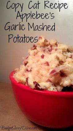 Copy Cat Recipe – Applebee's Garlic Mashed Potatoes | 2 lbs red potatoes, 1/2 cup milk, 1/4 cup heavy cream, 3 tablespoons butter, Garlic powder, salt and black pepper, 1/4 cup garlic (whole cloves)