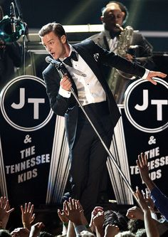 JT performing Suit and Tie at the 2013 Grammy's.