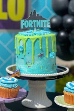 Take a look at the excellent drip birthday cake with a Fortnite topperat this Fortnite birthday party. See more party ideas and share yours at CatchMyParty.com Bridal Shower Cakes, Baby Shower Cakes, Boy Birthday Parties, Birthday Cake, Rustic Cake, Holiday Cakes, Gorgeous Cakes, For Your Party, Wedding Cakes