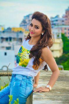 Koushani Mukherjee Y. Stylish Girls Photos, Stylish Girl Pic, Girl Photos, Beautiful Bollywood Actress, Most Beautiful Indian Actress, Beautiful Actresses, Dehati Girl Photo, Bollywood Girls, Beautiful Girl Photo
