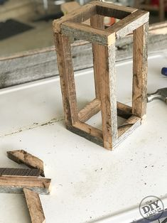 Have some old barnwood laying around but aren't sure what to do with it? Try your hand at an rustic barnwood lantern. It's a fast and easy project. Diy Wooden Projects, Barn Wood Projects, Diy Furniture Projects, Wooden Diy, Rustic Wood Crafts, Diy Rustic Decor, Wooden Lanterns, Diy Holz, Wood Creations