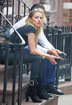 New romance: Before she was linked to art world jet-setter Vito, Amber, dated Tesla bi. Amber Heard Bikini, Amber Heard Style, Hollywood Actresses, Everyday Fashion, Fashion Forward, Fashion Models, Celebrity Style, Autumn Fashion, Celebs