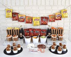Create a walking taco bar for your next celebration! Create a walking taco bar for your next celebration!,Hannah's Grad. Party Ideas Create a walking taco bar for your next celebration! Taco Bar Party, Party Food Bars, Mesas De Snack Ideas, Doritos, Poll Party, Best Friend Birthday Surprise, Birthday Party Snacks, Diy Birthday, Candy Buffet