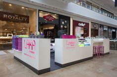 Laka manicure services stand by Bilgoray Pozner, Israel store design