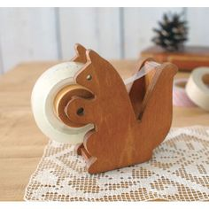 Decole : Squirrel Tape Dispenser
