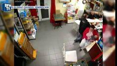 """La gérante au braqueur de son bar. """"T'es pas dans une banque là"""" - http://www.newstube.fr/gerante-braqueur-de-bar-banque/ #Braquage, #Braqueur, #LaGérante"""