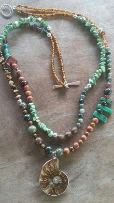 Offbeat, boho semi-precious and glass necklace Wire Jewelry, Jewelry Necklaces, Bracelets, Glass Necklace, Beaded Necklace, Fashion Necklace, My Arts, Jewelry Making, River