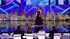 La prestation de Cristina Ramos sur scène. Son geste fait bondir le jury - http://www.newstube.fr/la-prestation-de-cristina-ramos-sur-scene-son-geste-fait-bondir-le-jury/ #CristinaRamos, #Espagnole, #Jury, #Voix