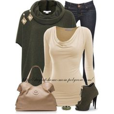 Dark wash skinny jeans, scoop neck long sleeve creme color dressy tee shirt, hunter green baggy short sleeve turtleneck sweater, tan purse, high heel zip up peep toe hunter green ankle boots, creme color and gold dangly diamond shaped earrings with a thick hunter green bracelet.