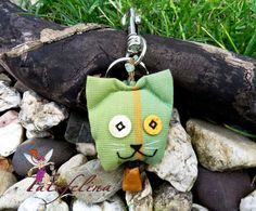 Taschenanhänger - Anhänger 'Kätzchen' grün - mit Karabiner - ein Designerstück von Fatafelina bei DaWanda
