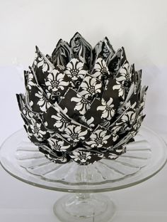 I learned to fold an napkin artichoke like this from Ria, the wife of one of my colleagues. It can be used at any occasion and at ...