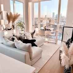 Fancy Living Rooms, Living Room Decor Cozy, Home Living Room, Apartment Living, Living Room Designs, Apartment Ideas, Decoration Design, Luxury Home Decor, Home Decor Kitchen