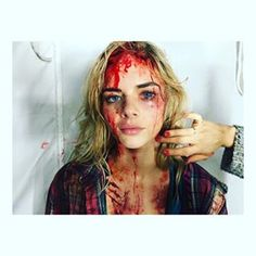 What the photo actually shows is Australian actress Samara Weaving, who played a character on the first season of the Starz series Ash vs Evil Dead. She's covered in fake blood as part of her role on the show. | This Viral Pic Of A Bloodied Trump Supporter Is Actually From A TV Show