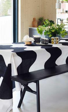 Maija Isola´s Lokki is one of Marimekko´s most iconic fabrics. Scandinavian Design, Home And Living, Decor, Home Etc, Home, Black And White Interior, Marimekko, Harmony House, Home Decor