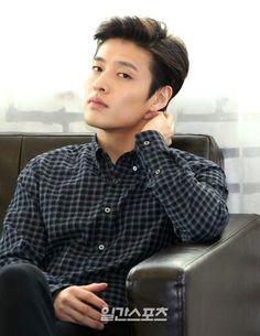 I am falling to you on purpose Korean Star, Korean Men, Asian Men, Asian Actors, Korean Actors, Kang Haneul, Song Joon Ki, Park Hyung, Park Seo Joon