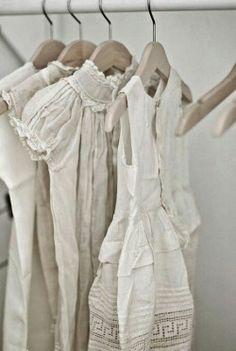 itsthesmallthing: French Antique Linen Via oldfarmhouse@itsthesmallthing