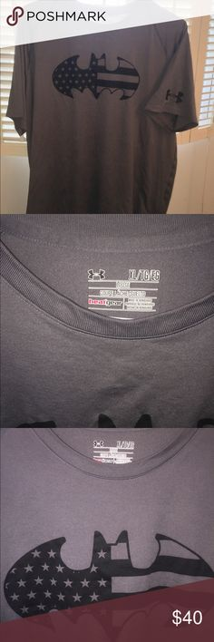 Under Amour Heat-gear Batman T-shirt XL Gray Black Under Amour Batman Logo Heat Gear Tee Black Batman Symbol On Front Dark Gray Color Like New Men's XL Loose Fit Short Sleeve Under Armour Shirts Tees - Short Sleeve