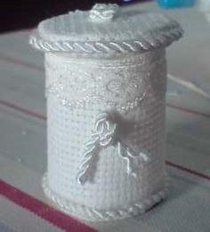 how to: mini laundry hamper