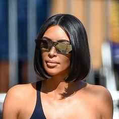 Kim Kardashian glass hair Best Picture For hair bangs diy For Your Taste You are looki Short Hair Updo, Short Hair Cuts, Short Hair Styles, Models With Short Hair, Short Hair Celebrities, Celebrity Short Hair, Short Hair Trends, Kim Kardashian Cabelo, Kourtney Kardashian