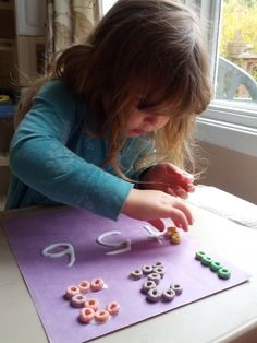 Homeschooling Mom 4 Two: Fun with Numbers and Fruit Loops!