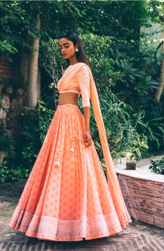 Mallie LH 02 - Price on Request – Studio Indian Wedding Outfits, Indian Outfits, Indian Clothes, Wedding Dresses, Indian Attire, Indian Ethnic Wear, Indian Designer Outfits, Designer Dresses, Lehnga Dress