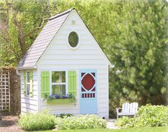 Play Houses to Inspire by Apartment Therapy. Links to 20 real playhouses. Adorable!