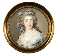 Johann -Ernest HEINSIUS   Portrait de la princesse de LAMBALLE vêtue d'une robe de soie bleue, portant une couronne de myosotis et un fichu de linon blanc sur les épaules. Miniature ronde sur ivoire, signée et datée à droite : « Heinsius pinxit 1791 ».