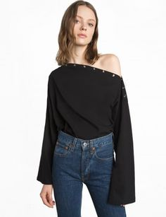 Black Shoulder Snap Button Oversize Top Made by us100%cottonModel's height is 5'9