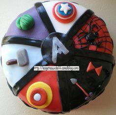 Gâteau et cupcakes Avenger !