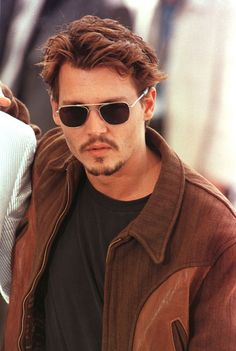 Johnny Depp at the Fear and Loathing in Las Vegas screening at Cannes Film Festival in Johnny Depp Haircut, Jonh Deep, Bob Short, Johnny Depp Pictures, Here's Johnny, Actrices Hollywood, Sweeney Todd, My Hairstyle, Raining Men