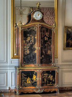 Chambre de la Dauphine, Palace of Versailles