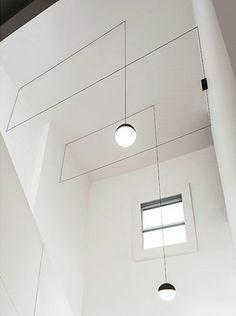 Gimmii Magazine I STRING LIGHTS van Michael Anastassiades voor Flos. Meer over deze fabuleuze lampen en o.a. Wireflow van Arik Levy voor Vibia lees je hier http://www.gimmii.nl/woonkamer/lichtpuntjes-design-district-wireflow-vibia/ #light