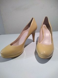 521beaa6e23 Vince Camuto tan color Vc Zella Shoes Pumps Heels Size   Condition is  Pre-owned.