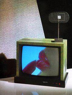 "aqqindex: "" Ettore Sottsass and Matteo Thun, Television, for Brionvega, "" Vaporwave, Kitsch, 1980s Art, Velvet Glove, Memphis Milano, New Retro Wave, 80s Design, Game Design, Plakat Design"