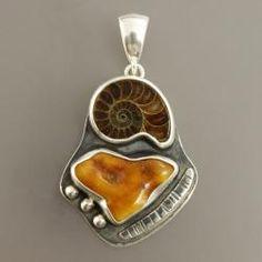 wisior z bursztynasm i amonitem - Wisiory - Biżuteria