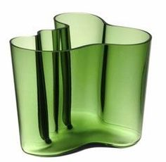 Alvar Aalto Savoy vase - Retro to Go Glass Vessel, Glass Ceramic, Glass Art, Architecture Organique, Alvar Aalto, Scandinavian Design, Nordic Design, Elements Of Art, Carnival Glass