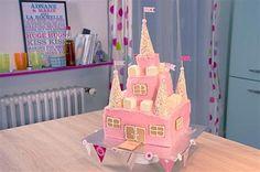 Réalisez un magnifique gâteau rose en forme de château de princesse ...