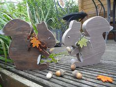 Deko-Objekte - Eichhörnchen - ein Designerstück von Creative-Holz bei DaWanda