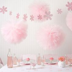 Hanging Paper Flowers by Heart to Heart at Gilt Baby Shower Photo Booth, Baby Shower Photos, Baby Shower Brunch, Baby Shower Fun, Baby Shower Themes, Table Runner Christmas, Hanging Paper Flowers, Ballerina Baby Showers, Tulle Poms