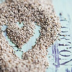 6 Gründe, warum Chia-Samen zu Superfood zählen // 6 reasons why chia seeds can be considered superfood via DaWanda.com