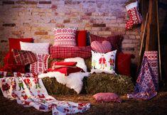 Una forma de que todo tu hogar refleje la Navidad es con los textiles. Ellos darán el tono y el ambiente que cada estancia necesita.