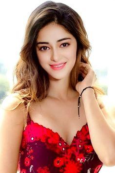 Bollywood Actress Hot Photos, Bollywood Girls, Beautiful Bollywood Actress, Bollywood Celebrities, Beautiful Actresses, Beautiful Girl Indian, Beautiful Girl Image, Most Beautiful Indian Actress, Bollywood Hairstyles