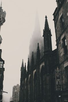 Monochromatic gothic cathedrals line the history streets of Edinburgh A Darker Shade Of Magic, The Infernal Devices, Gothic Architecture, Cathedral Architecture, Dark Shades, Beautiful Places, Scenery, City, Pictures
