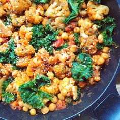 Chana Masala, Tofu, Lasagna, Curry, Food And Drink, Lunch, Ethnic Recipes, Turmeric, Curries