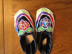 Beadwork shoes; beading