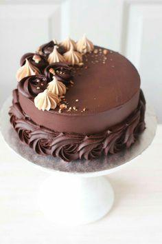 Cake Decorating Frosting, Cake Decorating Designs, Cake Decorating Videos, Easy Cake Designs, Chocolate Cake Designs, Chocolate Oreo Cake, Chocolate Frosting, Belgian Chocolate Cake Recipe, Chocolate Cake Images