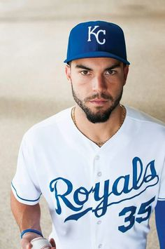 KC: Eric Hosmer - He may not be a Ranger but he ain't bad to look at. Hot Baseball Players, Kc Royals Baseball, Baseball Boys, Eric Hosmer, Handsome Male Models, Home Team, Kansas City Royals, Sport Man, Athlete